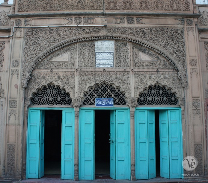 Ruknudduala Mosque at Chawri Bazar. Photo by Atif Amin.
