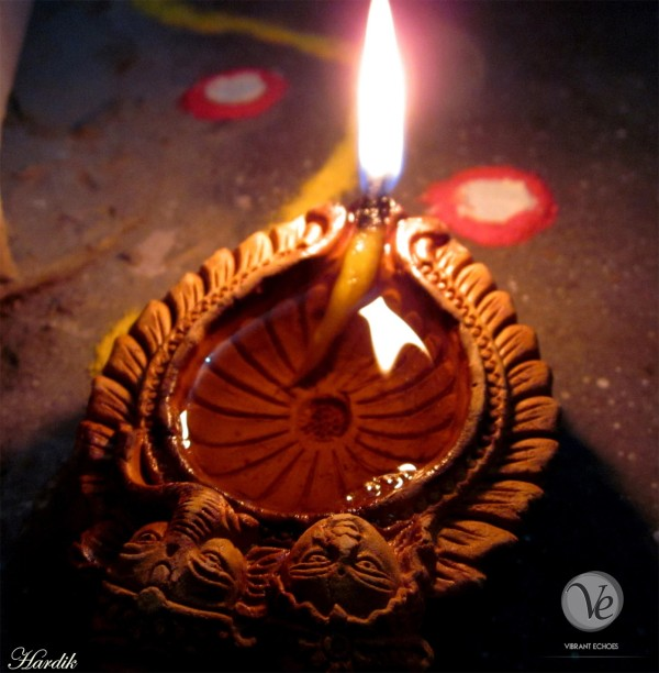 Diyaa (Oil Lamp). Photo by Hardik Gaurav